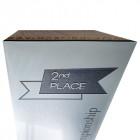 Holz Cubix Plate Award mit Gravurbeispiel auf silbriger Acrylplatte - awards.at