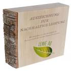 Holzaward Noblesse mit Rinde und individuellem Digitaldruck - Auszeichnung für Nachhaltigkeit